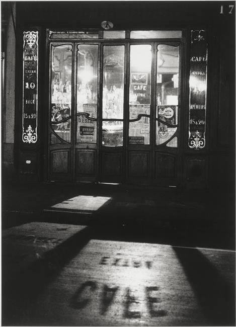 Bistrot, Paris 1927. André Kertesz