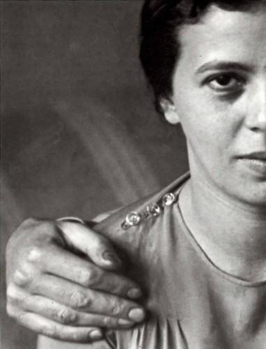 Elizabet hand me Paris 1931. André Kertesz